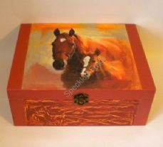 Chestnut Mare and Foal Memory Box